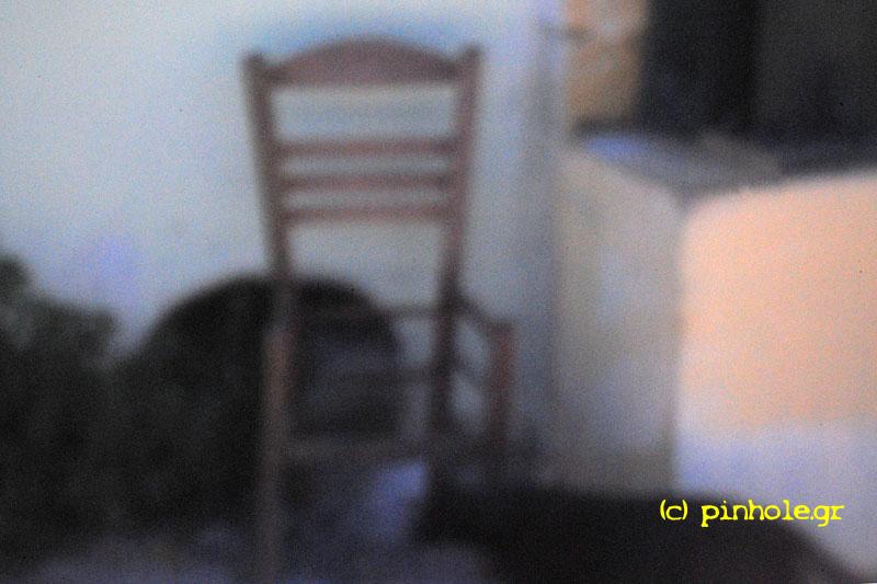 The broken Chair (018)
