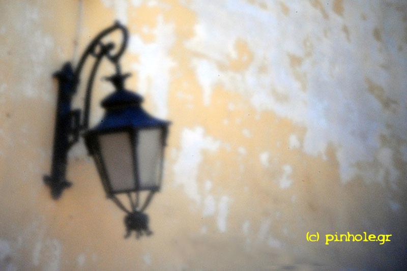 Broken Street lamp (200)